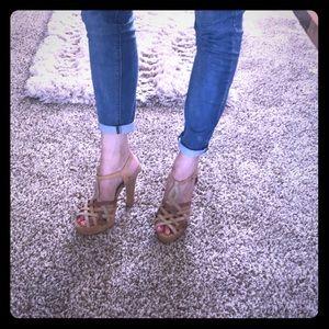 Madden Girl Mayville Siz 10 Sandal Platform Heels
